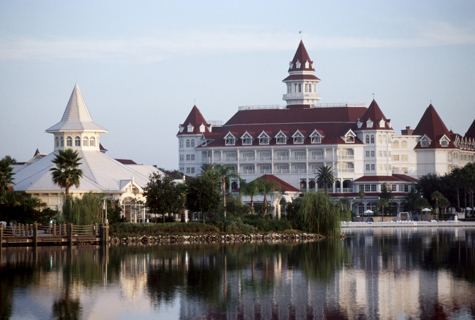 A Look At The Resorts Grand Floridian Resort And Spa