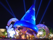 The Giant Sorcerer's Hat that blocked The Great Movie Ride from 2001-2015 (Courtesy comicbook.com)